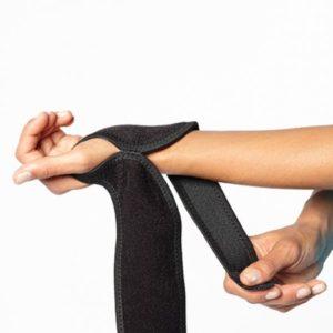 Polsbrace-boomerang-wrist-wrap-1